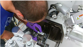 A student at University of Manchester mounts the Deben Microtest stage in a FEI Quanta 650 SEM