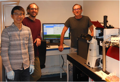 The JPK NanoTracker 2 in the lab of Mauro Modesti with Hongshan Zhang and Davide Normanno
